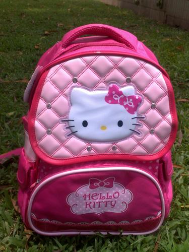 Chuyên cung cấp sỉ các loại balo Hello Kitty, Walt Disney, hàng TQXK, VNXK và Hàn Quốc