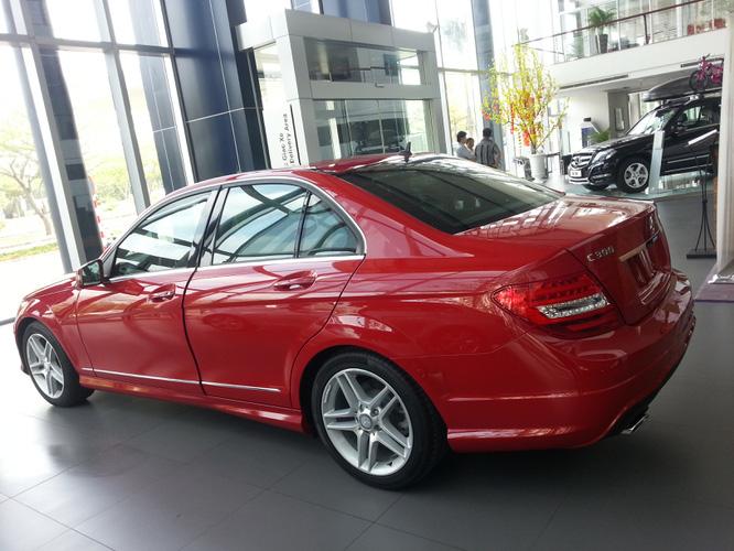 So sánh BMW 328i và Mercedes c300 amg. Đại lý bán xe mercedes tốt nhất chỉ có tại Vietnam Star Automobile Ảnh số 27994769