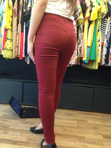 Jeans Vnxk ,Jeans rách , cạp đúc , cạp cao , skinny jeans với mẫu mã đẹp và chất lượng hợp lý.đồng giá 270.000đ Ảnh số 29462769