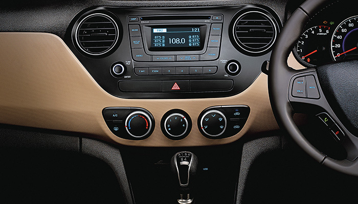 Hyundai Grand i10 2014 bản thường, bản full option, màu trắng, bạc, vàng cam, đỏ, giá tốt..... Ảnh số 30346303