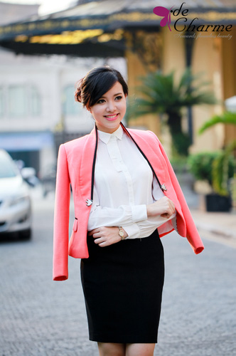 Rất nhiều những mẫu áo dạ, mẫu đầm, áo vest,....hàng Việt Nam kiểu dáng độc đáo, thời trang nhất năm 2013 Ảnh số 30409659