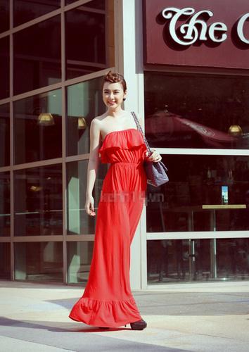 GEMMY SHOP: Hàng Mới Về CHUYÊN SỈ LẺ Váy HOTGIRL set bộ croptop dzung biez, jumsuit huyền bé, bộ đôi Ảnh số 31498869