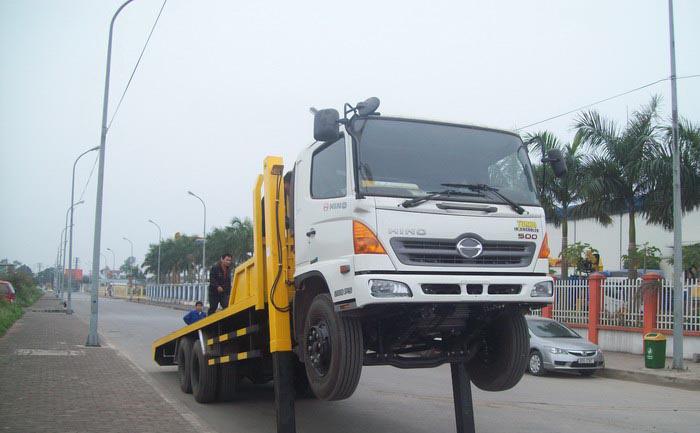 Đại lý bán xe cẩu tự hành Hino FM 15 tấn gắn cẩu Soosan SCS1015LS có sức nâng 12 tấn mới 100 đời 2014 giá rẻ nhất Ảnh số 31597971