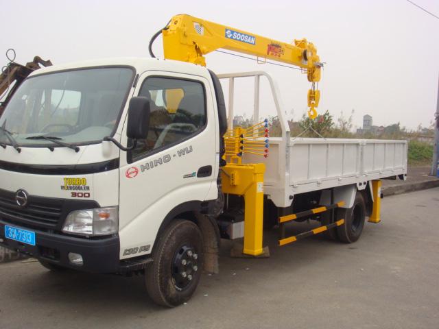 Đại lý bán xe cẩu tự hành Hino FM 15 tấn gắn cẩu Soosan SCS1015LS có sức nâng 12 tấn mới 100 đời 2014 giá rẻ nhất Ảnh số 31598116