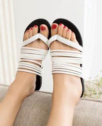GIÀY BỆT tồng hợp các kiểu giày được yêu thích nhất năm 2014 Ảnh số 32896978