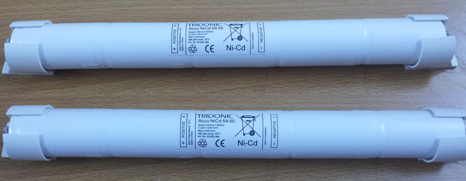Pin cho bóng đèn huỳnh quang T4, T5 và T8 Tridonic battery Ảnh số 32142102