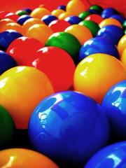 Sản xuất bóng nhựa, bóng nhựa việt nam đủ màu, bóng thả vào nhà bóng số lượng lớn