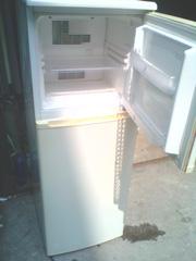 Ảnh số 2: tủ lạnh ELECTROLX 145 lít hàng nhập khẩu - Giá: 20.000