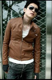 Ảnh số 100: áo khoác da - Giá: 450.000