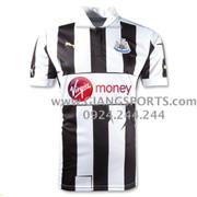 Ảnh số 64: Áo thi đấu Newcastle 2013 - Giá: 110.000