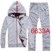 Ảnh số 12: áo khoác nỉ - Giá: 530.000