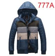 Ảnh số 26: áo khoác có mũ - Giá: 630.000