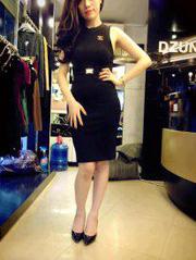 Ảnh số 25: Đầm đen hở lưng dz - Giá: 400.000