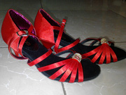 Ảnh số 22: Giày khiêu vũ trẻ em đính đá - Giá: 300.000