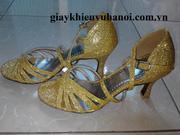 Ảnh số 36: Giày khiêu vũ kim tuyến vàng - Giá: 350.000