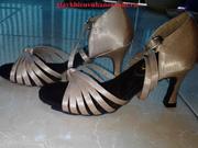 Ảnh số 44: giày khiêu vũ màu da chân thắt củ ấu - Giá: 300.000