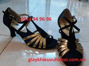 Ảnh số 50: Giày khiêu vũ satin đen pha da vàng - Giá: 350.000