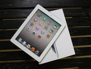Sale 50-60%:Apple The New iPad 32GB Wifi 4G=5. 000. 000 vnđ