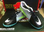 Ảnh số 10: Giầy đá bóng Nike Mercurial - Giá: 320.000