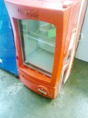 Ảnh số 2: Cần bán. Bán thanh lý tủ mát coca 100 lít, còn mới 95%, giá bán là 1.720.000, tủ mới và đẹp lắm.     Tủ mát 1 cánh kí - Giá: 1.720.000