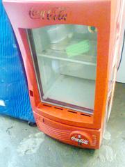 Ảnh số 3: Cần bán. Bán thanh lý tủ mát coca 100 lít, còn mới 95%, giá bán là 1.720.000, tủ mới và đẹp lắm.     Tủ mát 1 cánh kí - Giá: 1.720.000