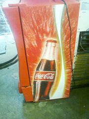Ảnh số 4: Cần bán. Bán thanh lý tủ mát coca 100 lít, còn mới 95%, giá bán là 1.720.000, tủ mới và đẹp lắm.     Tủ mát 1 cánh kí - Giá: 1.720.000