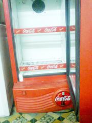 Ảnh số 7: Cần bán. Bán thanh lý tủ mát coca 100 lít, còn mới 95%, giá bán là 1.720.000, tủ mới và đẹp lắm.     Tủ mát 1 cánh kí - Giá: 1.720.000