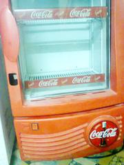 Ảnh số 9: Cần bán. Bán thanh lý tủ mát coca 100 lít, còn mới 95%, giá bán là 1.720.000, tủ mới và đẹp lắm.     Tủ mát 1 cánh kí - Giá: 1.720.000