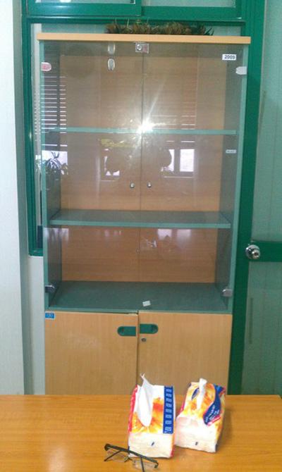 Tủ tài liệu gỗ cánh kính