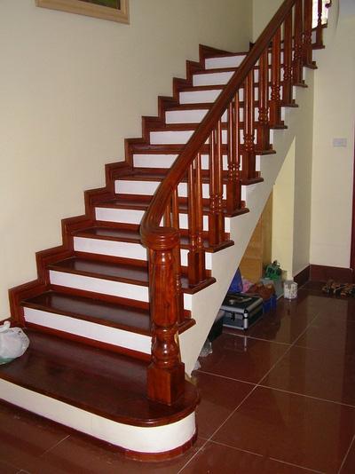 Cầu thang gỗ PT2