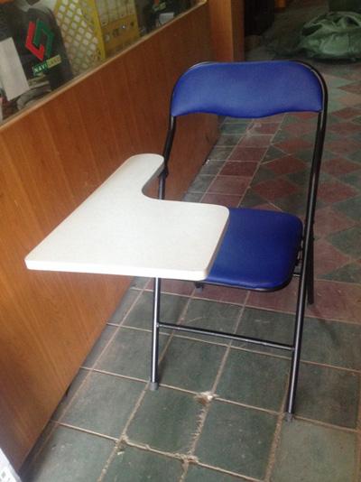 Ghế xếp liền bàn tồn kho như mới