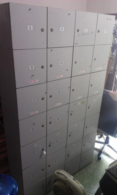 Dọn văn phòng thanh lý Tủ locker loại 28 ngăn tiện lợi