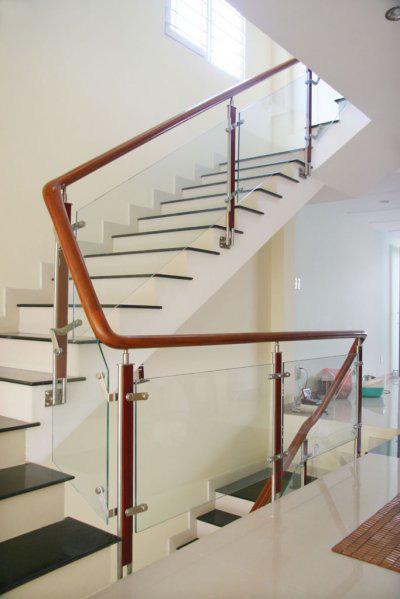 Cầu thang kinh PT2 04
