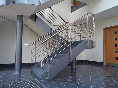 Lan can cầu thang inox chung cư