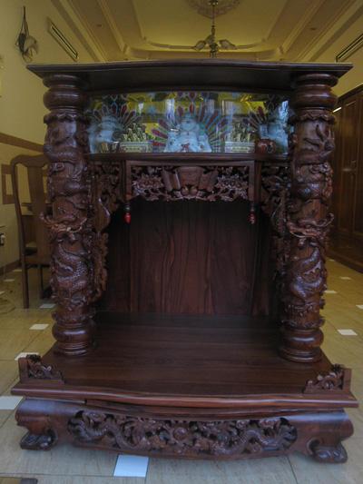 Tủ thần tài trạm gỗ Cẩm Lai có Kỳ Lân 105 cm   126 cm