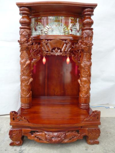 Bàn thờ Thần Tài Ông Địa, Gỗ hương hộp đèn   chạm rồng nổi