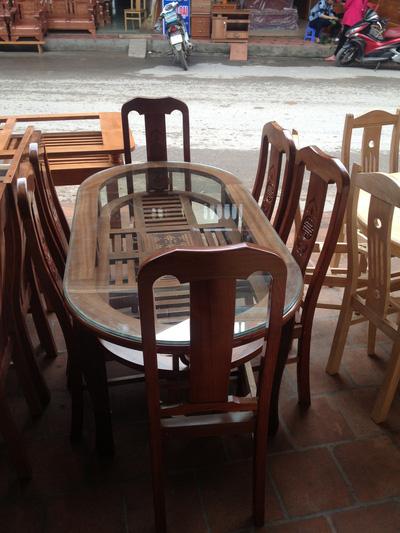 Bàn ăn gỗ tự nhiên đẹp bền rẻ tại Hà Nội