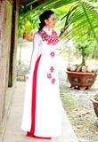 Áo dài cưới cách điệu cho cô dâu ngày cưới