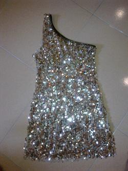 Ảnh số 10: váy lẹch vai - Giá: 50.000