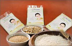 ?nh s? 4: Cám gạo Ái Liên - Hoàng Tường - Giá: 30.000