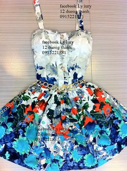 Ảnh số 21: váy hoa - Giá: 700.000