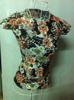Ảnh số 18: áo phông hoa - Giá: 170.000