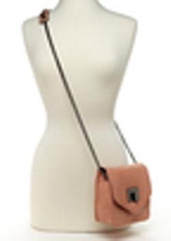 Ảnh số 28: TUI DA BCBG- RẤT XINH đeo chéo hoặc gấp dây đeo bên vai - lạ trẻ trung new 100% lo go BCBG trước và sau túi NEW100% - Giá: 1.100.000