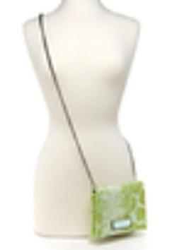 Ảnh số 29: túi đeo chéo - hoặc dùng là clutch BCBG hãng này quá nổi tiếng k cần PR NHIỀU..NEW100% - Giá: 1.050.000