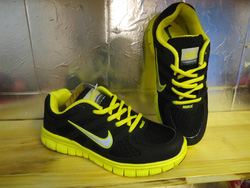 Ảnh số 62: giày thể thao - Giá: 280.000