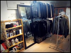 Ảnh số 97: shop nam tầng 2 - Giá: 9.999