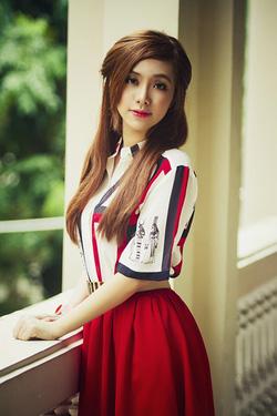 Ảnh số 55: Tóc dành cho Cô Dâu xinh tóc thẳng nhẹ nhàng Hàn quốc - Giá: 700.000