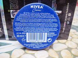 Ảnh số 4: Kem dưỡng nẻ mặt môi Nivea của Đức 30ml - Giá: 60.000