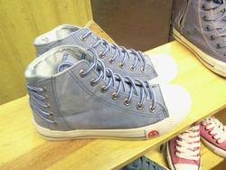 Ảnh số 75: Giày bata cao cổ - Giá: 230.000