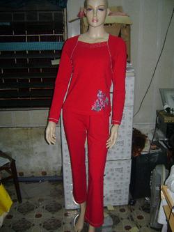 Ảnh số 34: Đỏ tươi - màu mặc nổi mà lại tôn da ^^ - Giá: 295.000